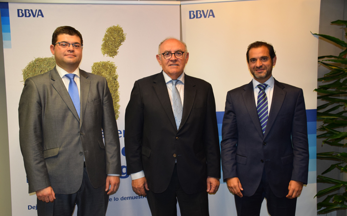 Asaja asaja clm y bbva firman un convenio de colaboracin for Bbva sevilla oficinas